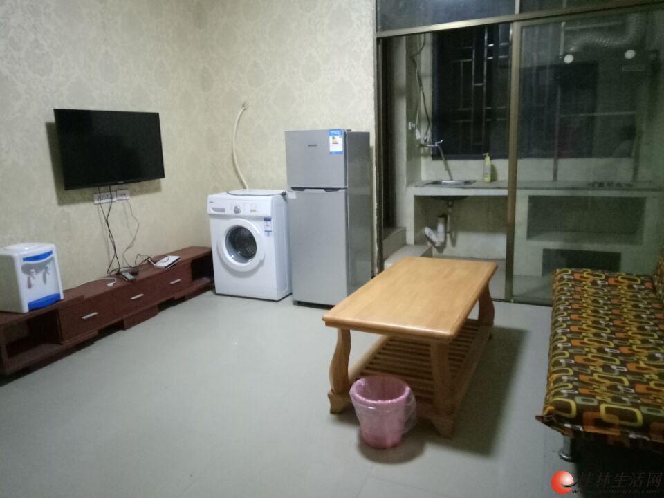 (房东)万达对面和平村小学旁新房两房一厅家电全车位
