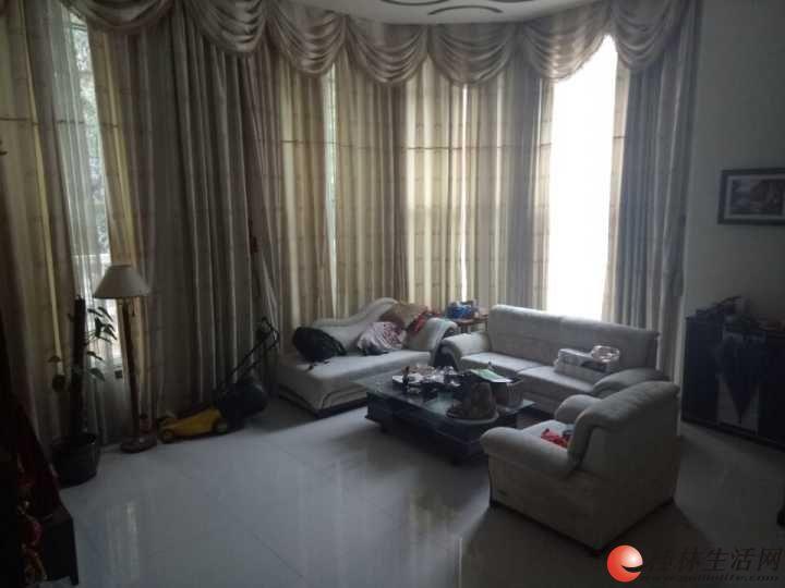 Y江岸美庐 豪装3层复式别墅 个人阳台+超大花园 5房3厅3卫 251平 260万