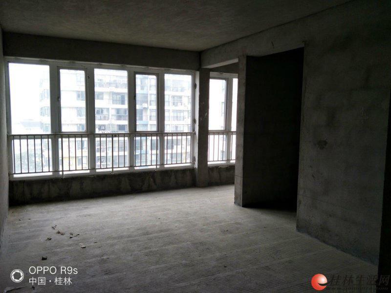 Z芦笛路 【幸福里】3房2厅2卫130平电梯10楼双证齐 85万