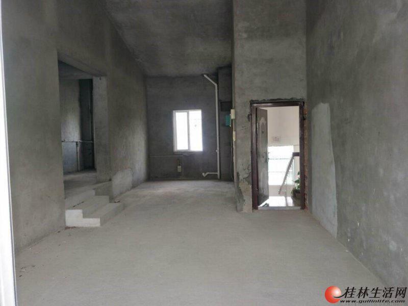 三里店湖畔山庄大3房2厅2卫138平米清水房95万