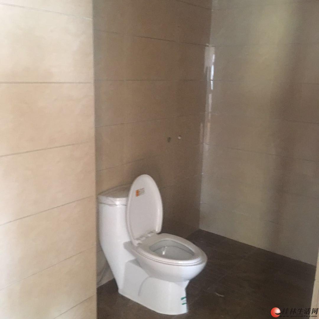 M 三里店明珠大厦  4房2厅2卫  150平方米  适合办公