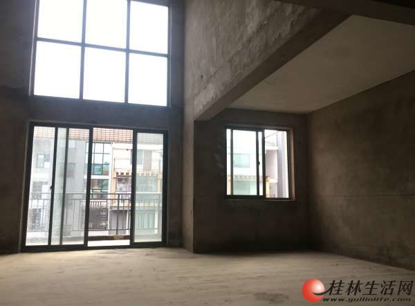 象山 翠竹路 耀和荣裕 6室3厅3卫 243平方 162万 客厅挑高 阳台4个 不动产证已经领了