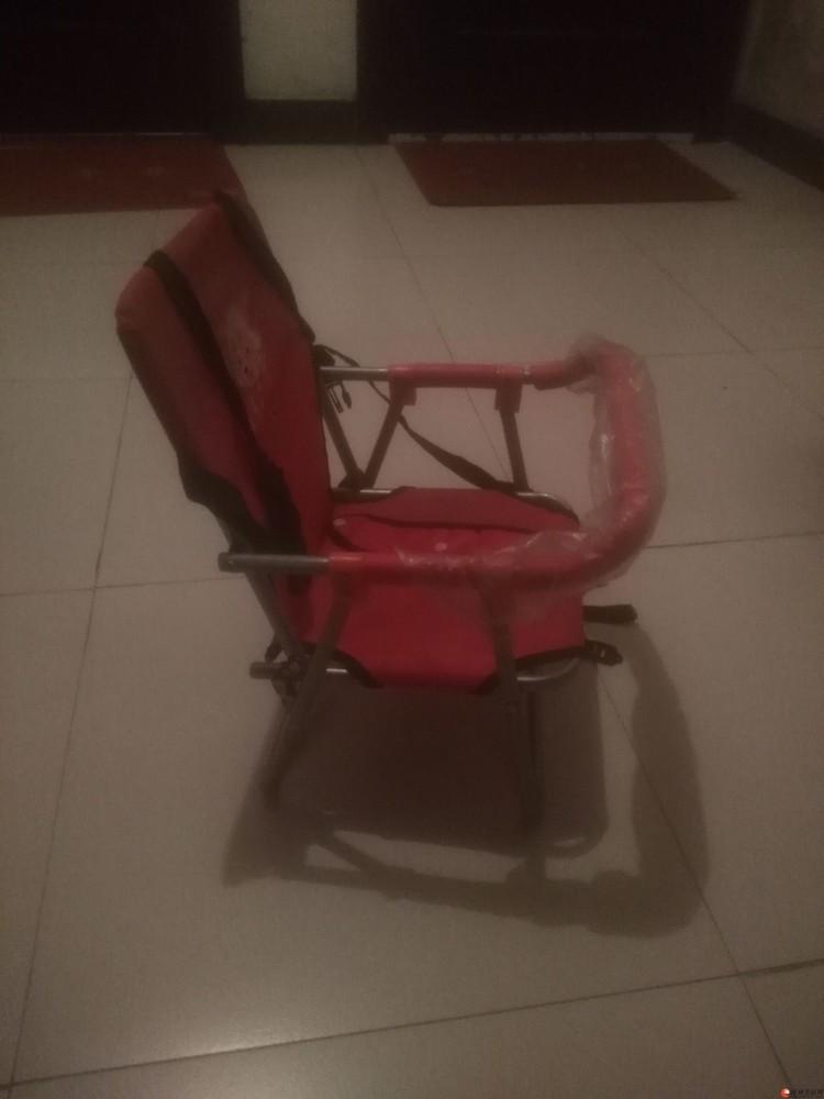 电单车儿童座椅,三岁半以内的宝宝可以坐在前面,更安全,更舒适