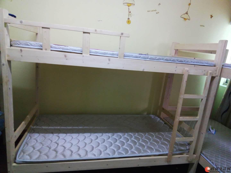 松木架子床 配棕床垫 390元 一套