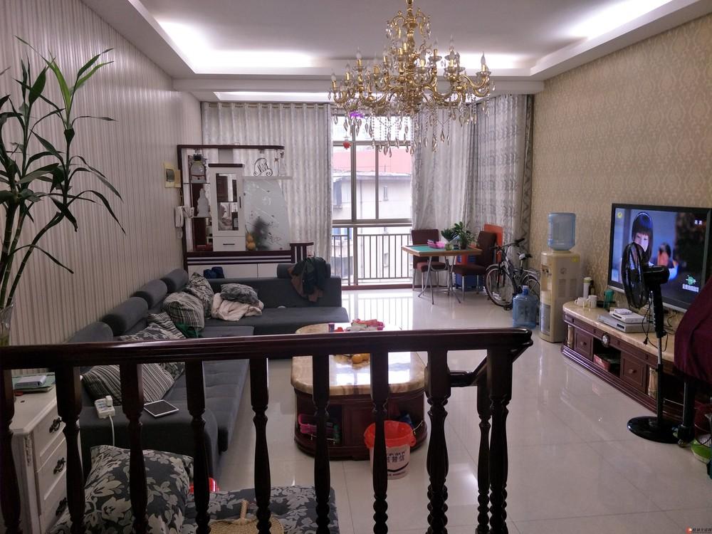 龙隐学区 三里店 东岸枫景 精装3房2厅2卫 110万 拎包入住