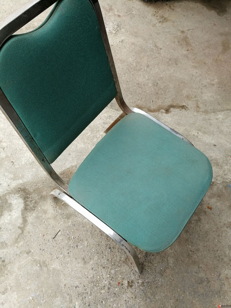 7张不锈钢椅子甩卖了,给钱就卖