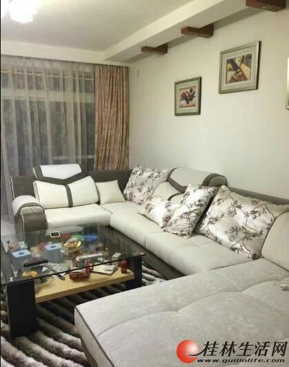出租,三里店鑫海国际恒祥花园三房两厅 价格3300元 超大豪华客厅。高住宅小区