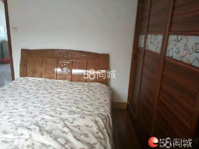 0七星区 鸾东小区 精装 两房两厅 94平米 精装 5楼 1600元