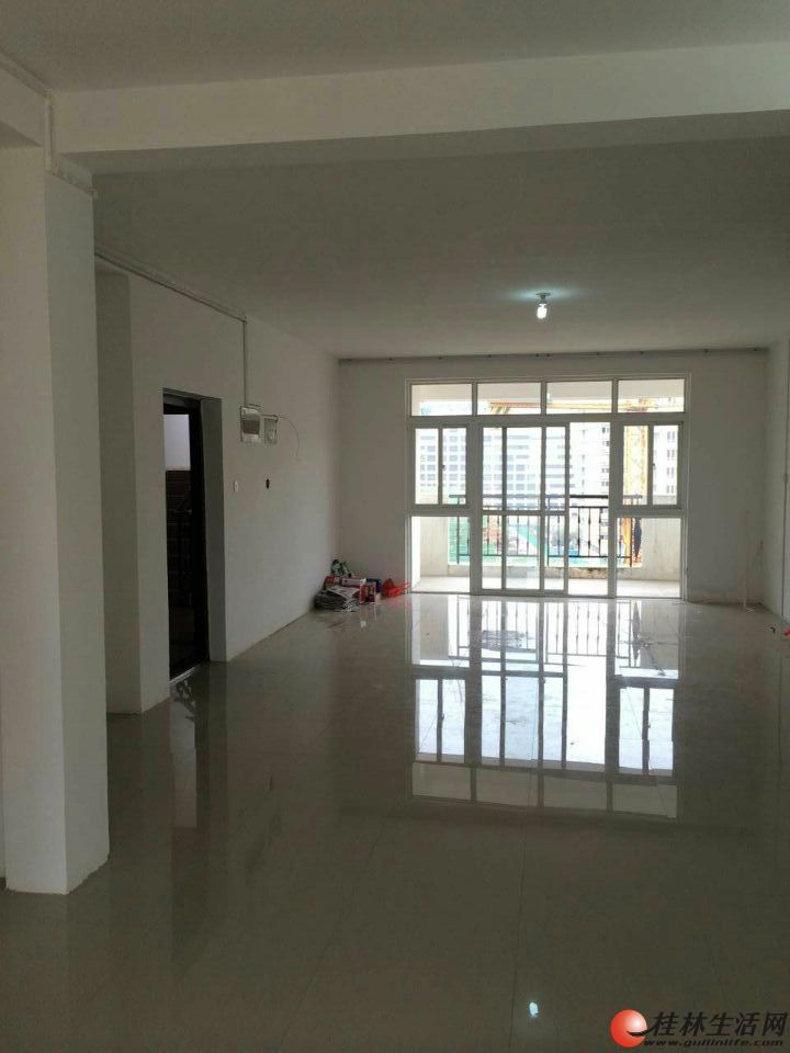 财富名城电梯房9楼5室2厅2卫180平米,简单装修,带地下车库,适合并优先出租为办公用