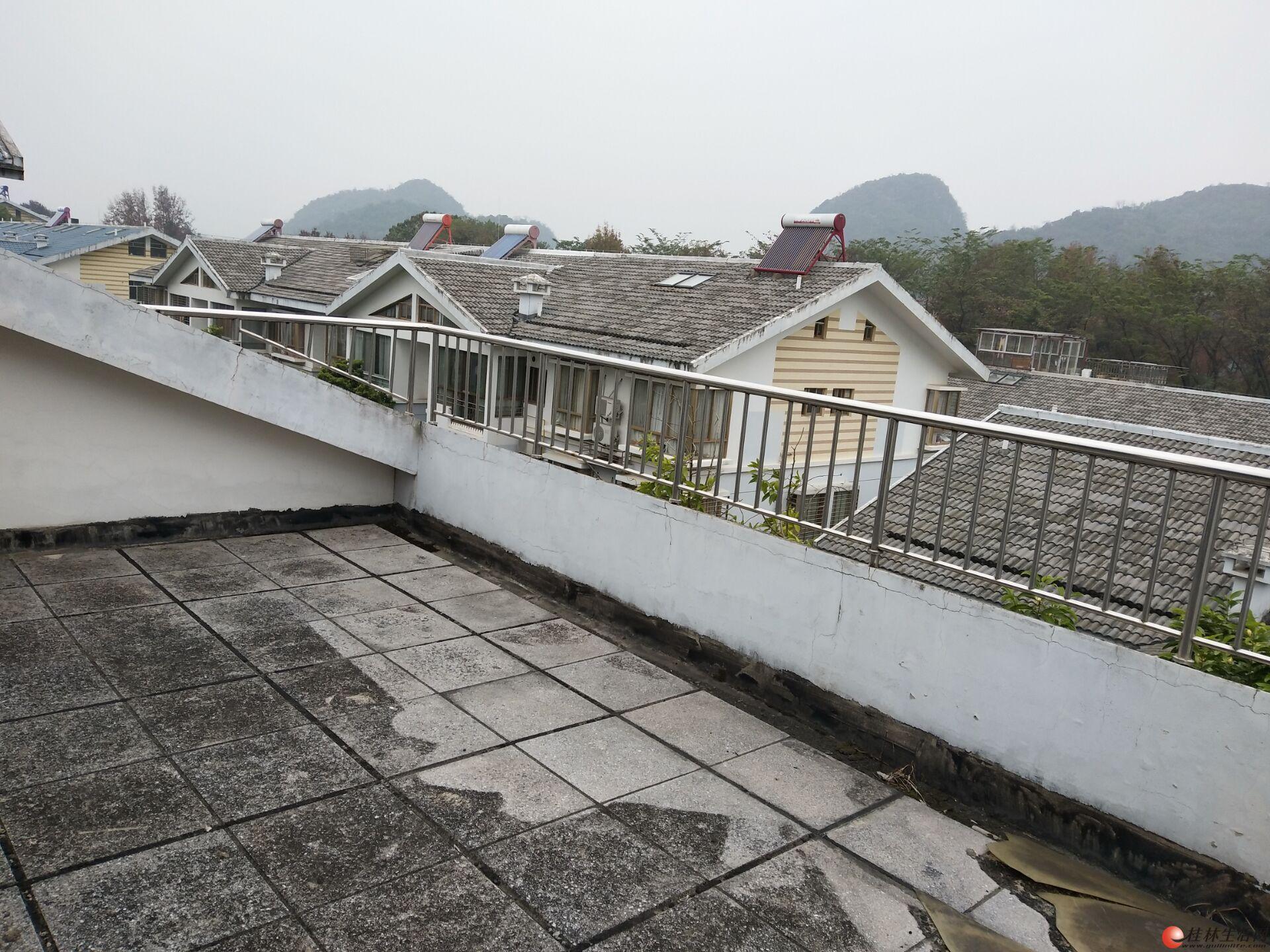 龙隐学区房!山景房!公园绿涛湾 清水顶层复式+阁楼+露台 139万
