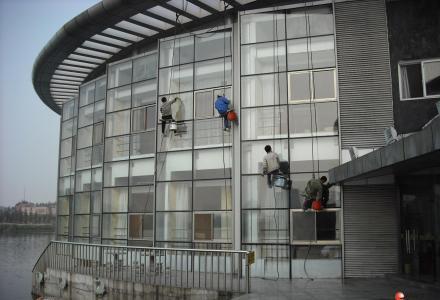 桂林专业单位日常保洁开荒保洁、物业保洁、高空清洗 公司电话