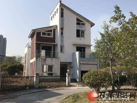 A.临桂山水凤凰城大别墅占地800平米330万