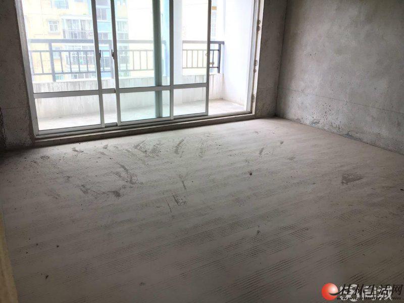 M山水阳光城两层复式楼五房两厅三卫带两个大阳台195平方105万