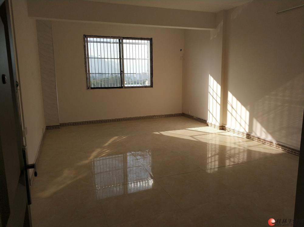 翠竹路莫家街一房一厅650元60平 新房