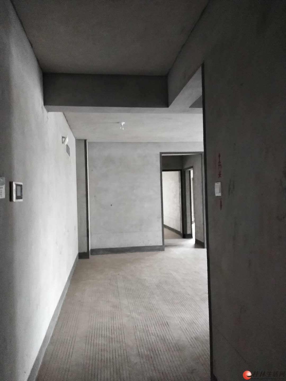 象山区上海路安新南区港湾雅居电梯楼121平3房临街办公好选择
