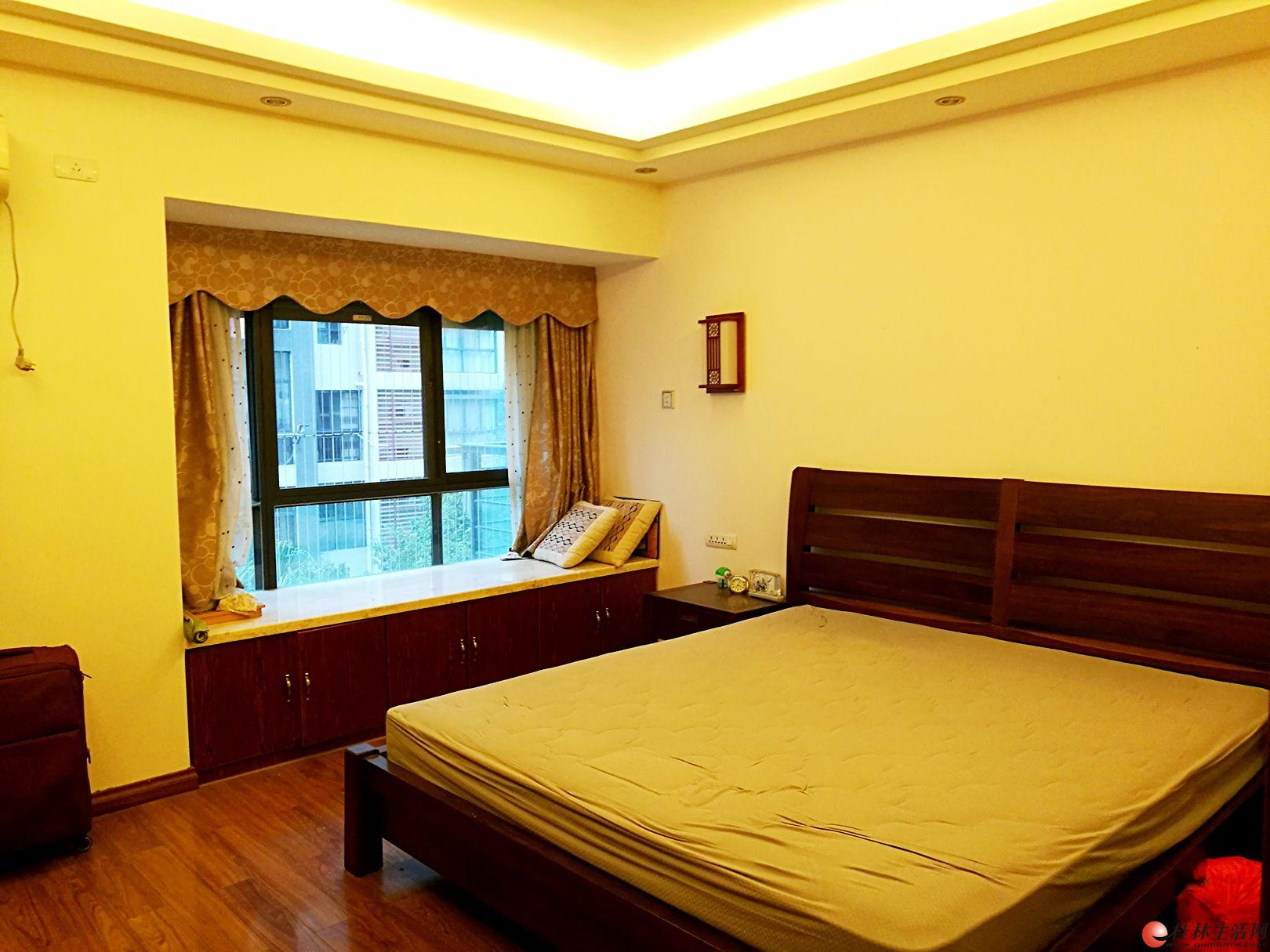 Q首次出租安厦世纪城电梯4房2厅家电具齐全拎包住3200月
