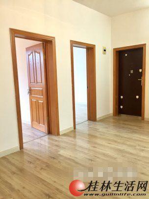 桂中乐群双学区太平路2房1厅可做复式楼65万