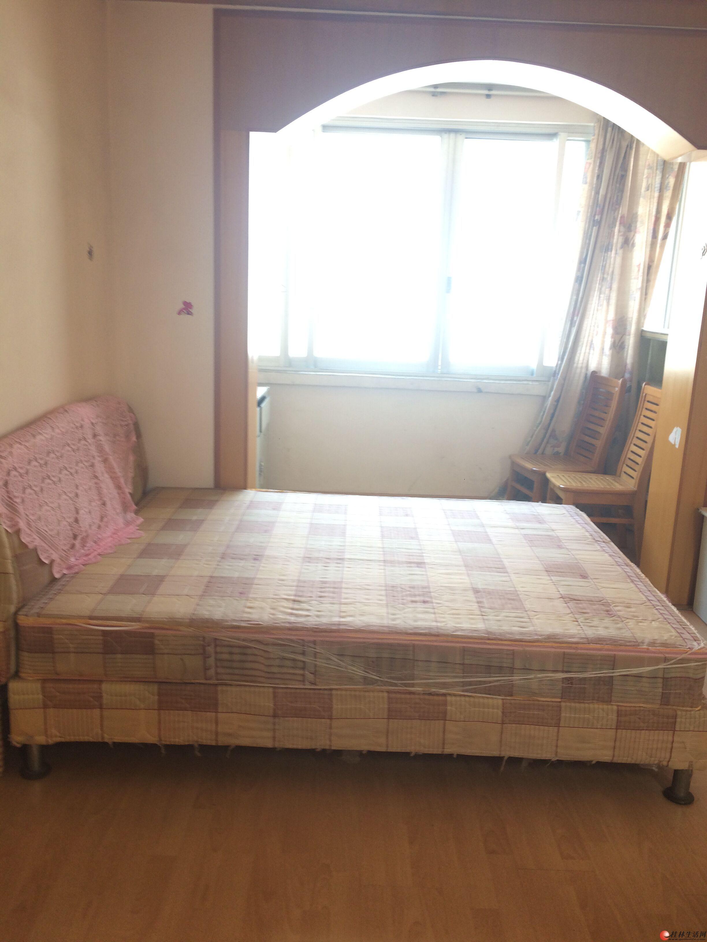 龙隐学区桂山宿舍1房1厅26万 可改2房