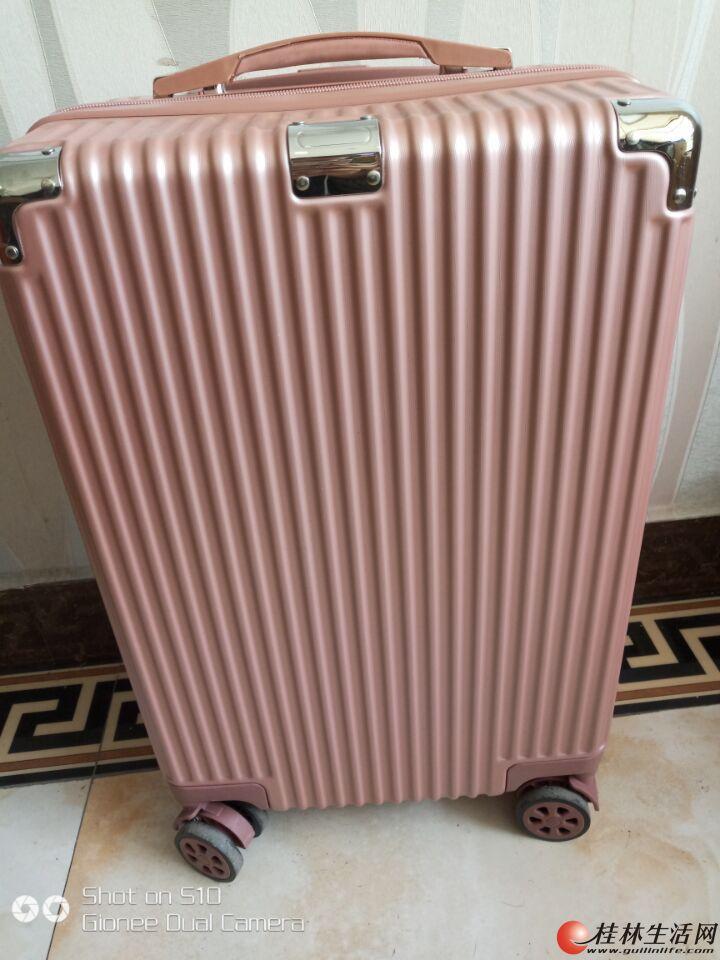 行李箱98新,20寸的