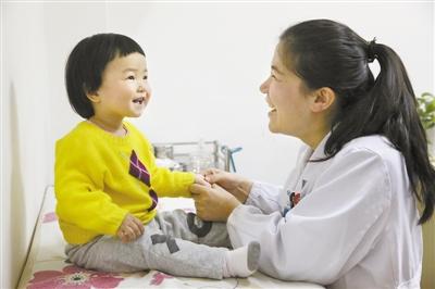 桂林哪有正规专业小儿推拿培训班广西最好师资零基础老师手把手教