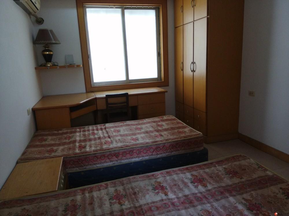 北极广场沃尔玛旁小区4楼2房2厅出售