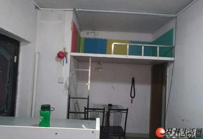 *榕湖小学学区  榕荫路1室1厅 仅售9.5万