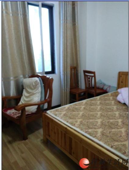 施家园龙隐山庄3房90平精装2300元拎包入住,4台空调