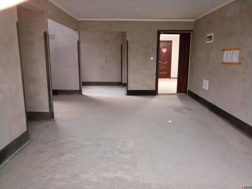 万达广场旁彰泰春天2期电梯8楼清水阁楼复式5房带露台150万