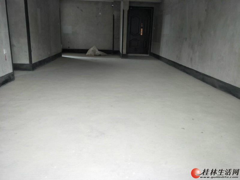 三里店彰泰睿城顶楼复式275平带超大露台带车车位只要240万