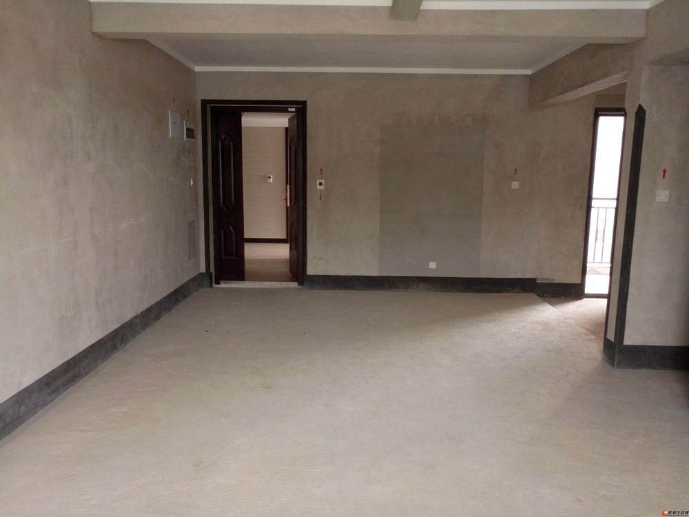 出售,安厦漓江大美,3房2厅2卫,112平米,电梯6楼,75万,清水房