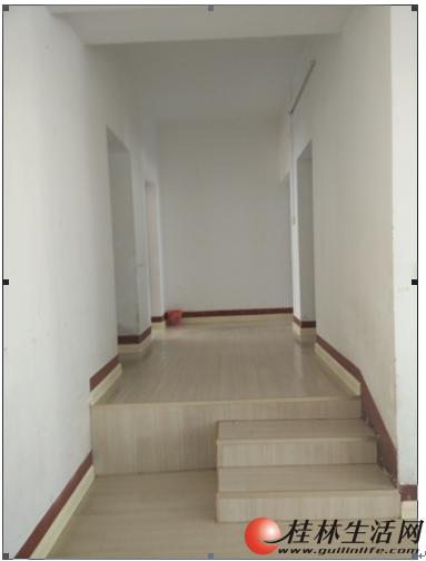 临桂时代花园三房二厅一卫出租1500元一个月,本人房东