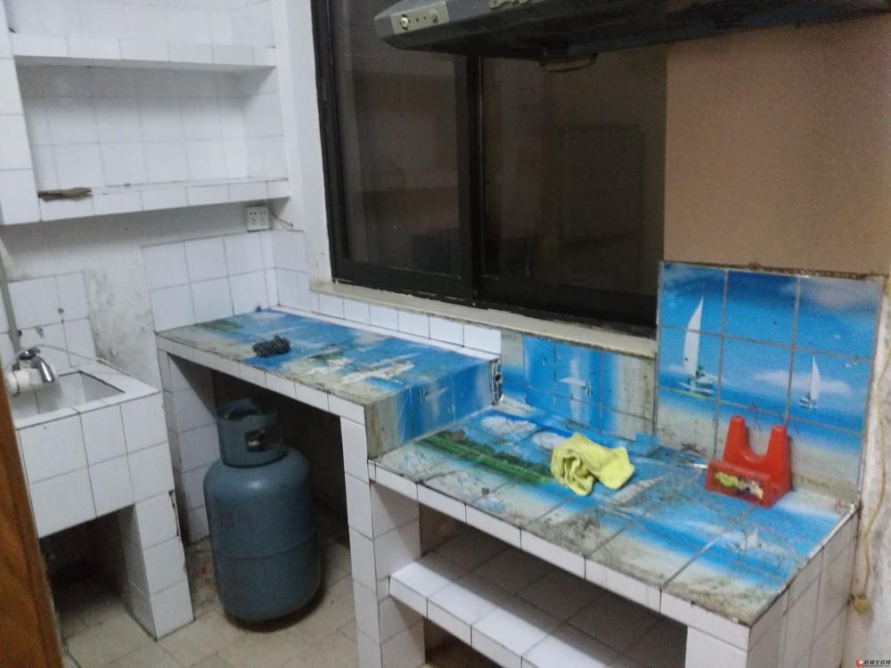 桂林市博爱医院对面,第三机关幼儿园楼上