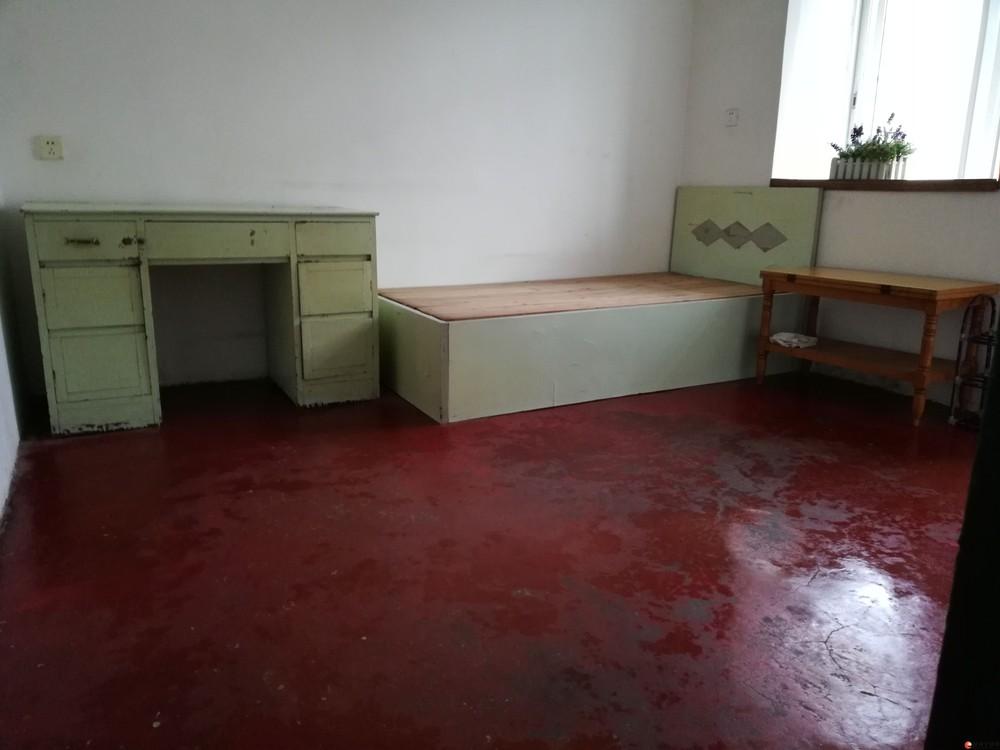 出租铁西一里2室1厅1 厨1卫1阳台吉房