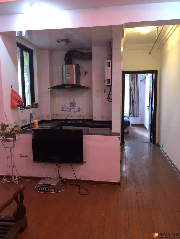 北极广场城市领地精装一房一厅家电家具齐全拎包入住可月租