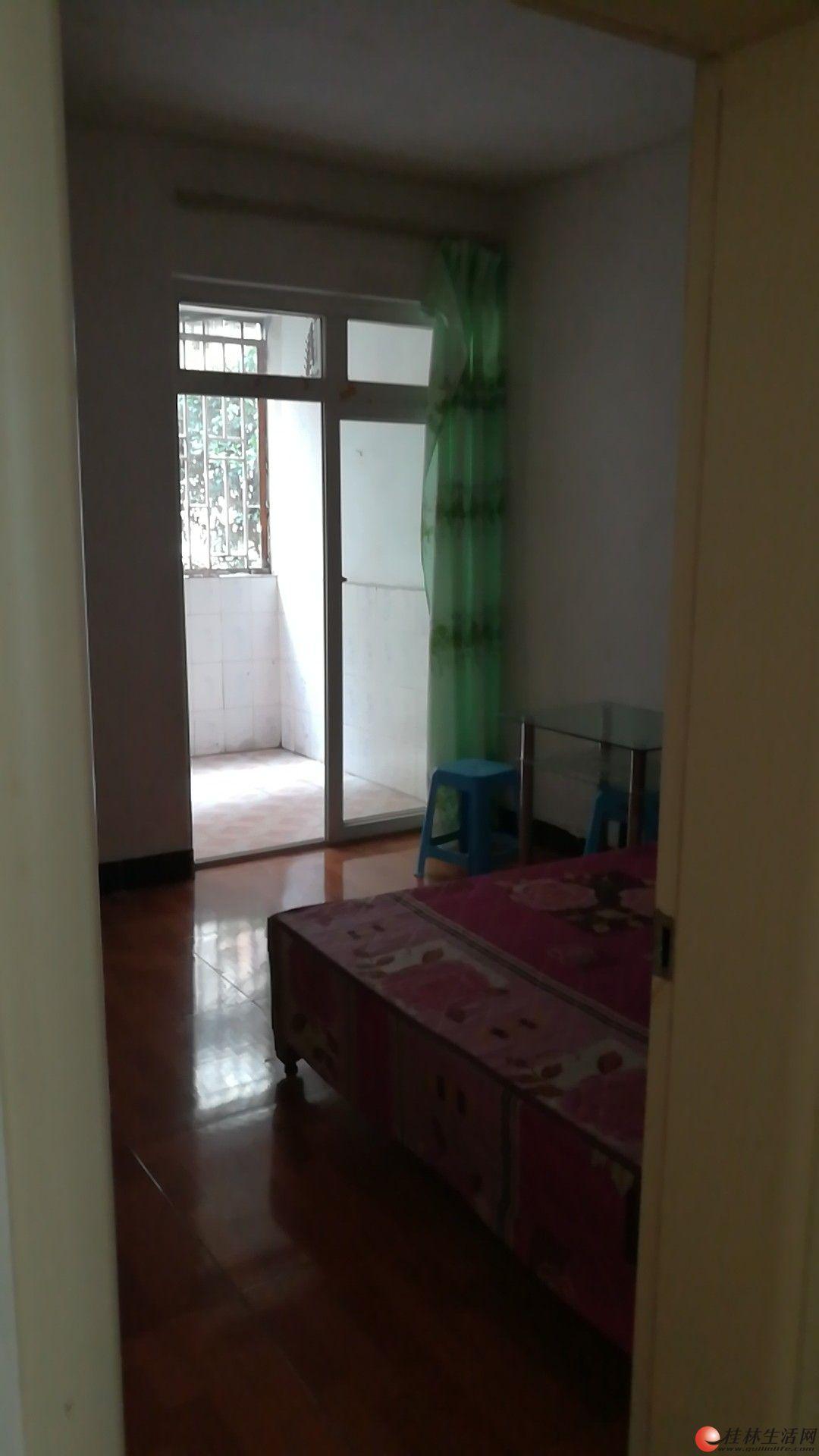 临桂时代花园2房2厅房子出租