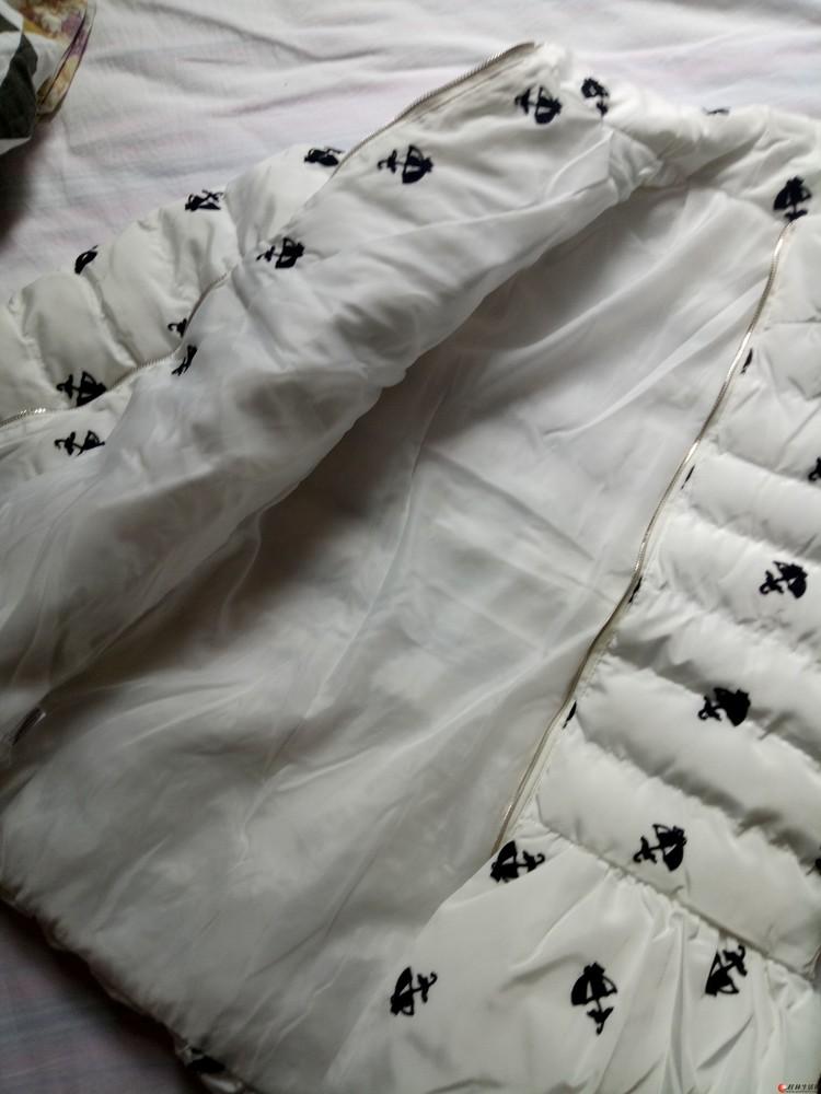 全新!!刺绣棉服,显年轻