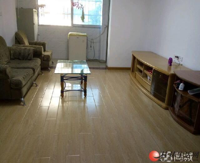 0七星区 鸾东小区 2室1厅1卫 3楼 精装 才装修二年 76平米 1500元