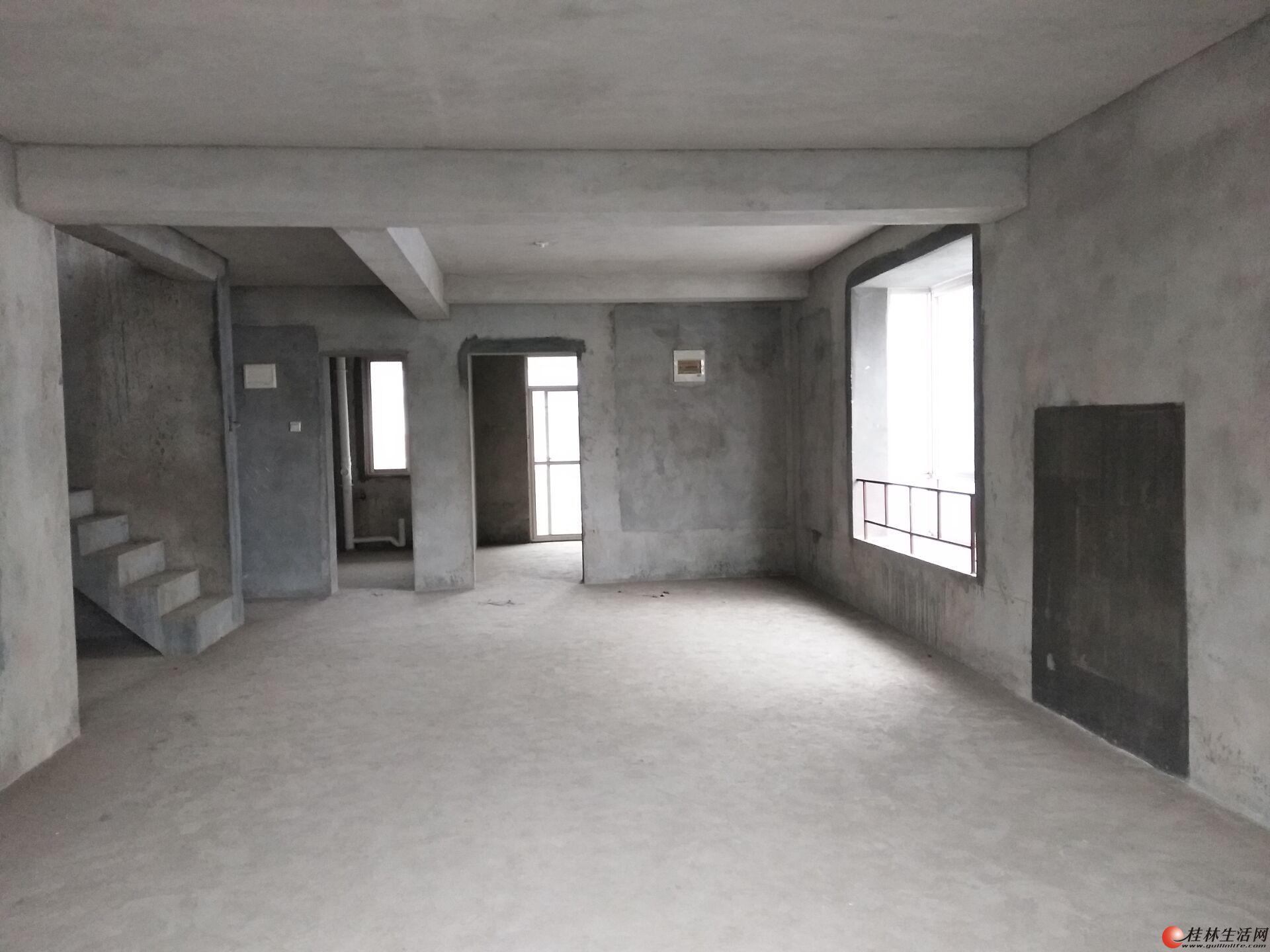龙隐学区 公园绿涛湾西园 清水二层复式+阁楼+露台 160万