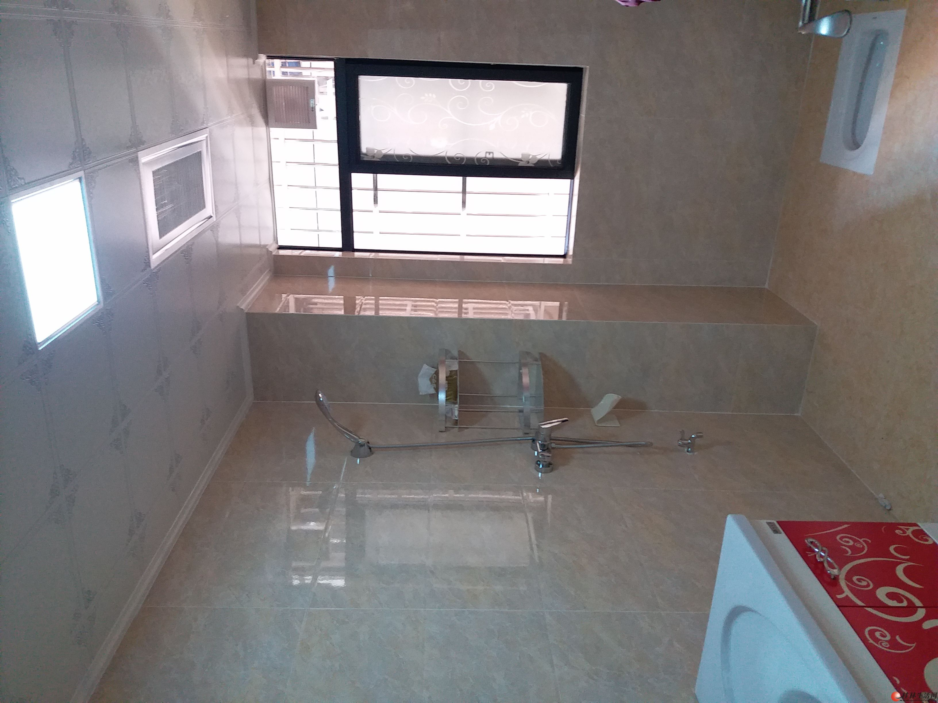 秀峰区丽景公寓三房一厅出租  2300元/月