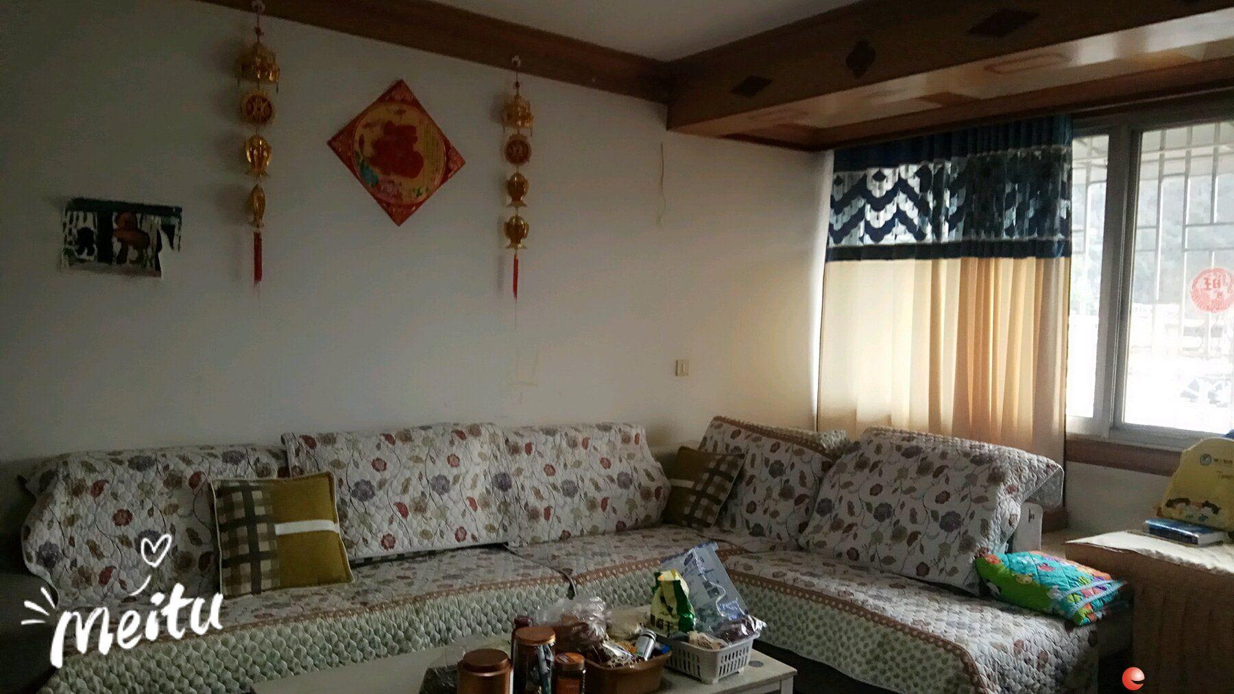桂湖景苑西门旁 2室2厅1卫翊鹉路92平米72万6楼