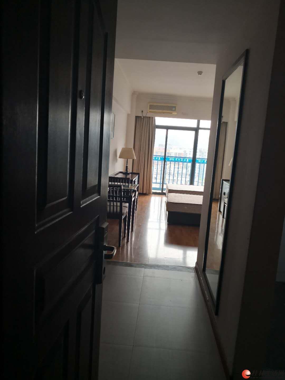 翠竹路15号彰泰鸣翠新都16栋翠竹大酒店(青年公寓)11楼,出租出售,欢迎中介代理