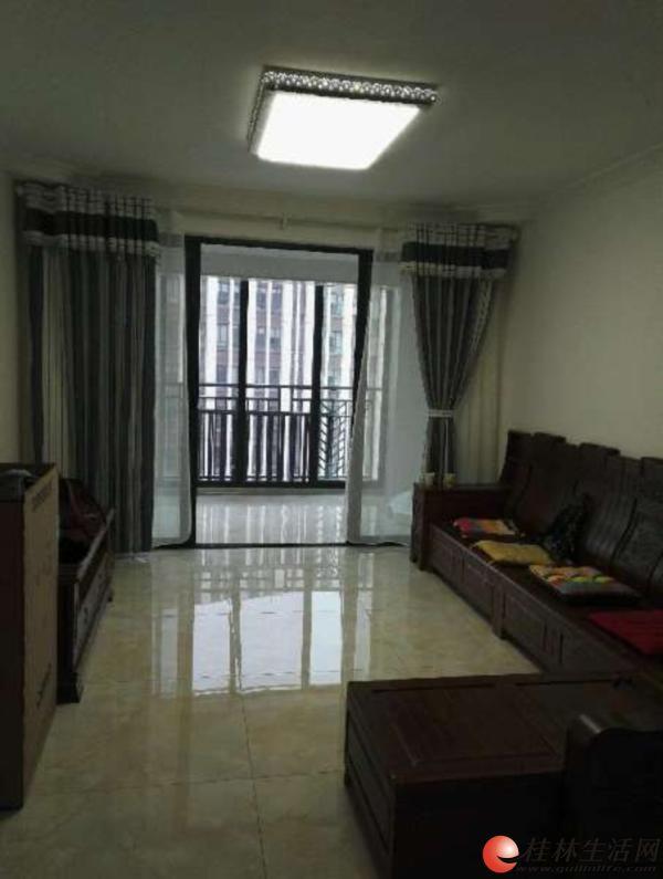 Q 高新区,兴进广场,3房2厅2卫,电梯9楼,全新精装,家具齐全