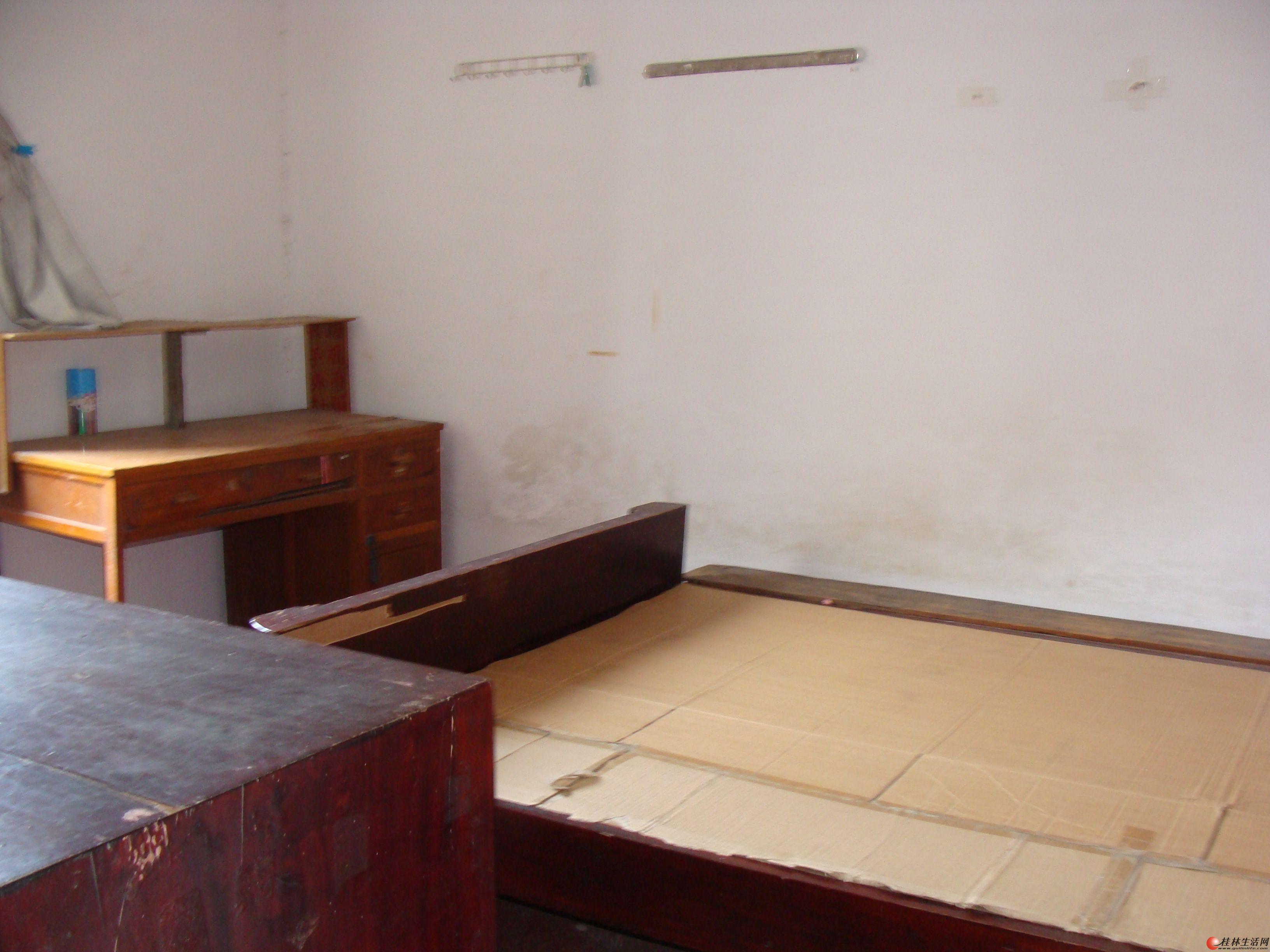 西门菜市旁1房1厅通风采光干净整洁配、床、衣柜