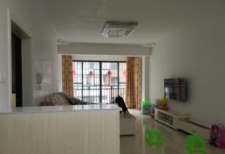 临桂大圆盘旁香樟林小区大3房2厅2卫3楼