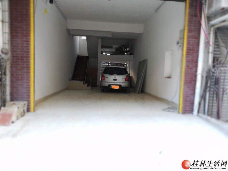 !漓江花园别墅  五层半别墅 9房4厅  前后有院子 带露台 新装修500平米
