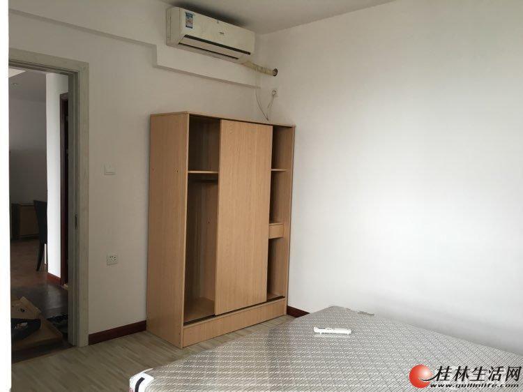 兴汇城全新装修2房出租