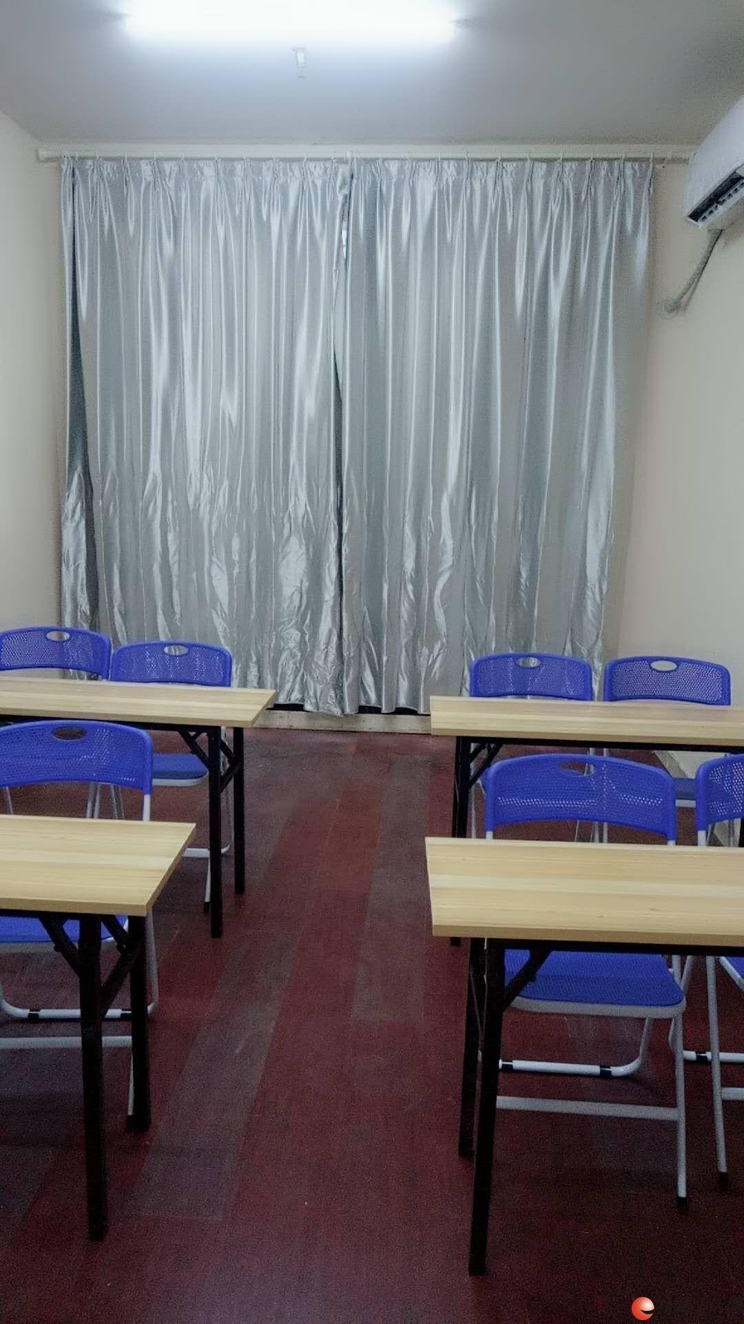 嘉上教育培训中心小班辅导开课了