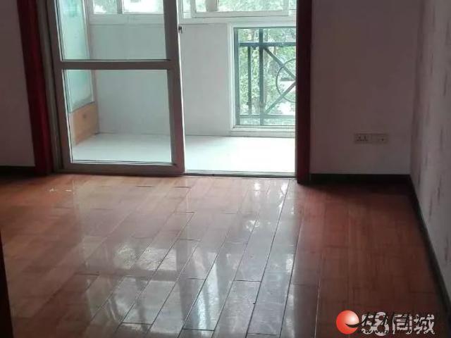 0七星区 兰乔圣菲对面 技师学院宿舍 适合办公3室2厅2卫 电梯房6楼 2700元可协商