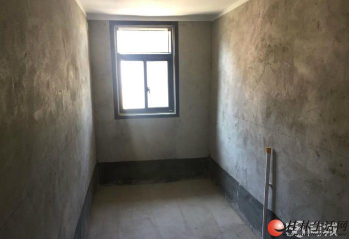 象山区联达广场旁彰泰悠山郡电梯三房号楼层清水原价出售