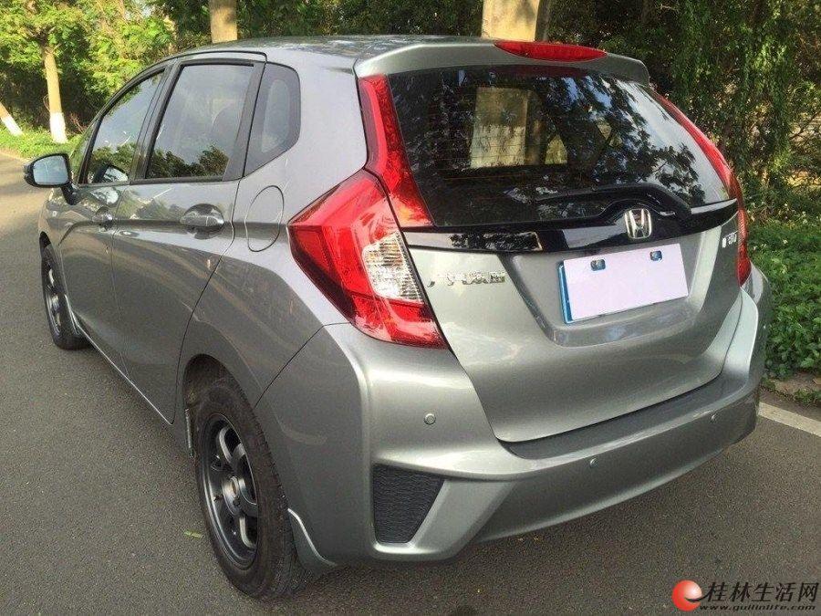 本田飞度,16款自动舒适版,6.18万,1.1万公里,9成新,欢迎上门看车